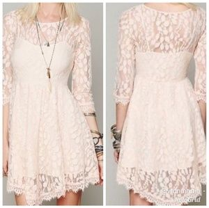 FREE PEOPLE WHITE SHEER LEAF PATTERNEDDRESS